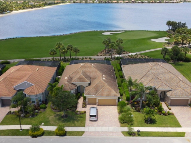 The Quarry Community - Golf and Lake View Homes