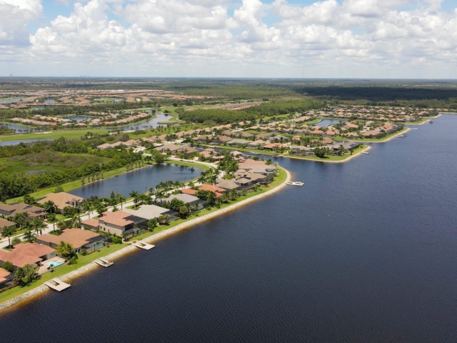 The Quarry Community - Lakefront Homes