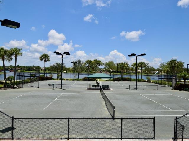 Verona Walk Tennis Courts